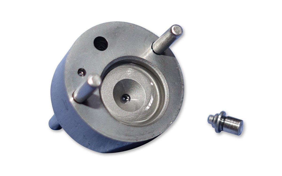 Valve assembly for piezo injector BOSCH